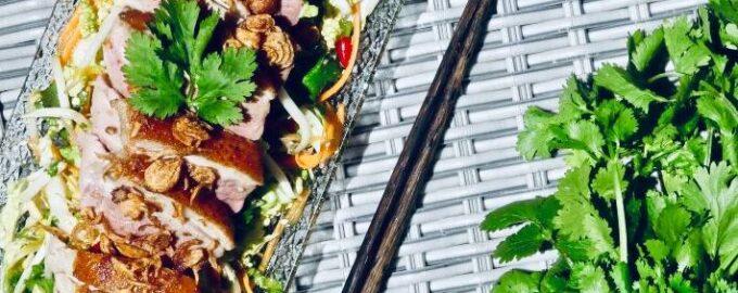 Азиатский салат с утиной грудкой